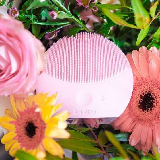 25% off FOREO orders $199